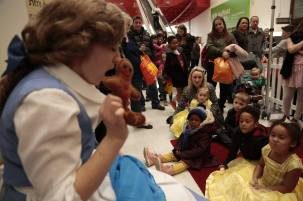 Interactive storytelling with puppets